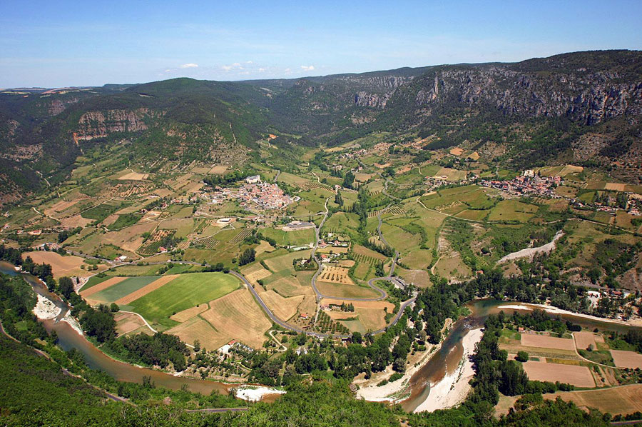 Panoramic view of Mostuejouls, Liaucous, Comayras the valley of the Tarn Gorges where nests the Soleilo, b & b