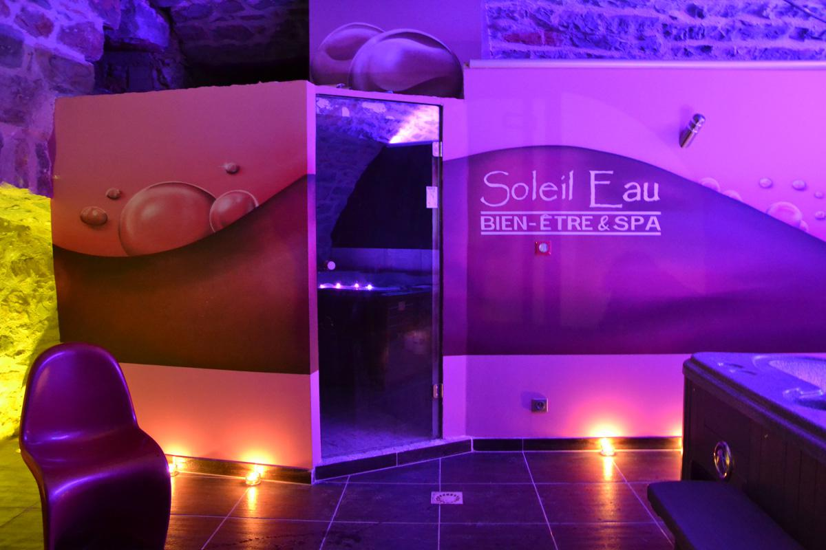 Dining wellness spa, private steam room and sets of lights for this B & B in the Gorges du Tarn